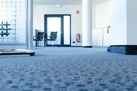 Maler Hildesheim Teppich verlegen